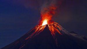 imágenes de volcán en erupcion