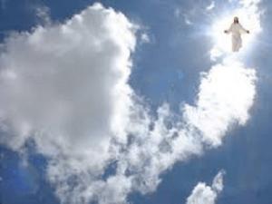 imagenes de dios en el cielo en las nubes